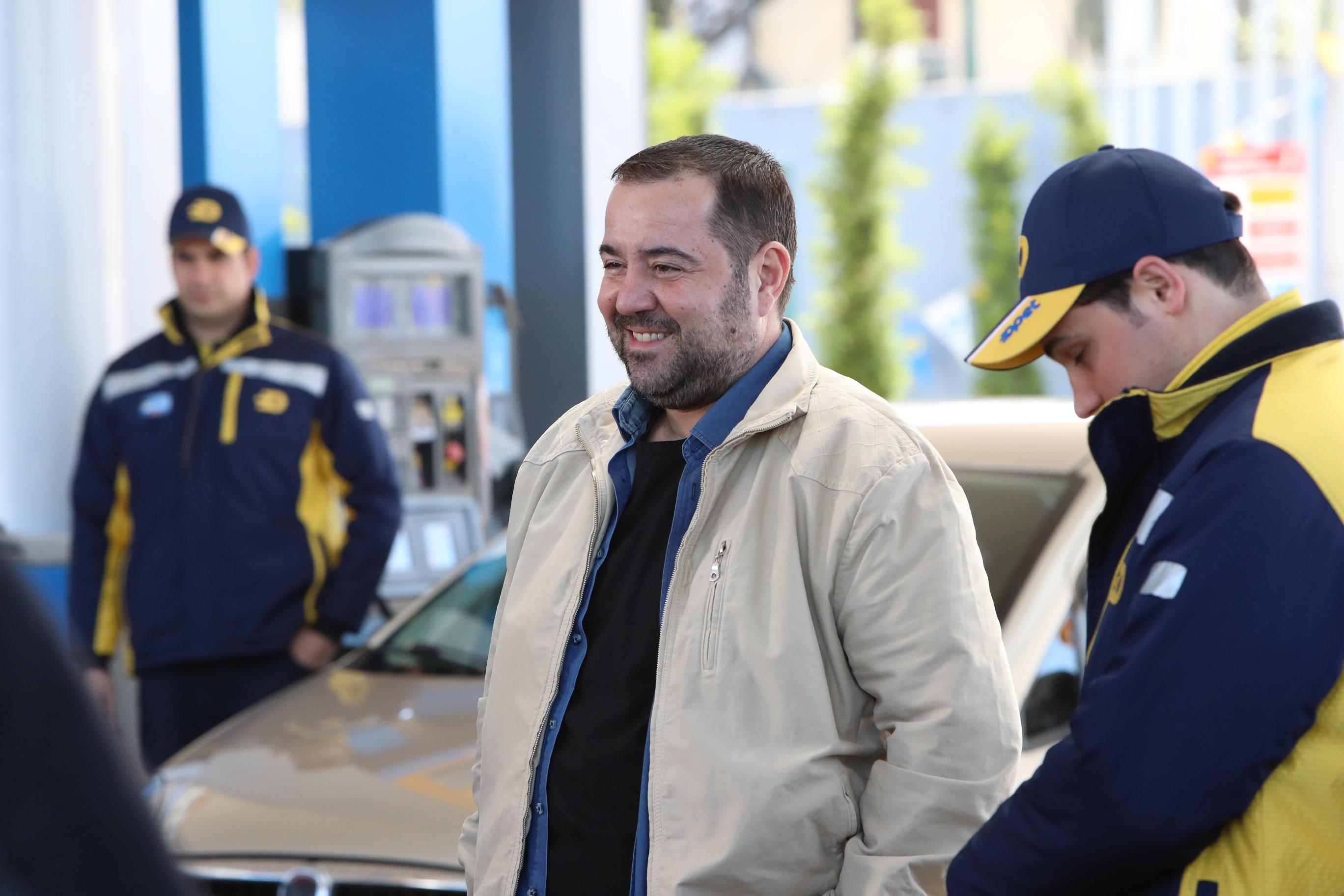 OPET reklam filmleri için üçüncü kez bir araya gelen Türkiye'nin iki dev oyuncusu Metin Akpınar ile Ata Demirer, bu kez duygusal bir filmle seyirci karşısına çıkıyor.