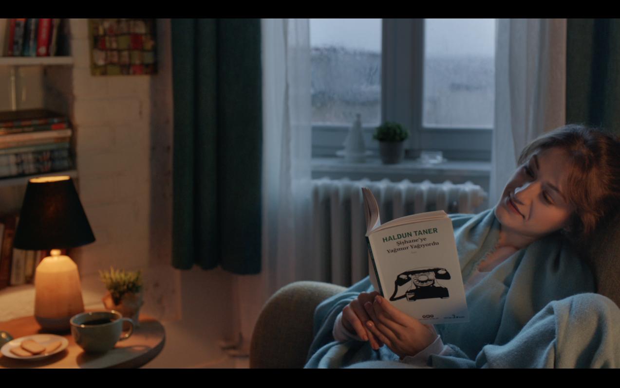 Türkiye'nin en büyük online kitabevi idefix yeni reklam kampanyasının lansmanını yaptı. McCann İstanbul imzası taşıyan seri, okumanın güzelliğini anlatan 4 filmden oluşuyor.