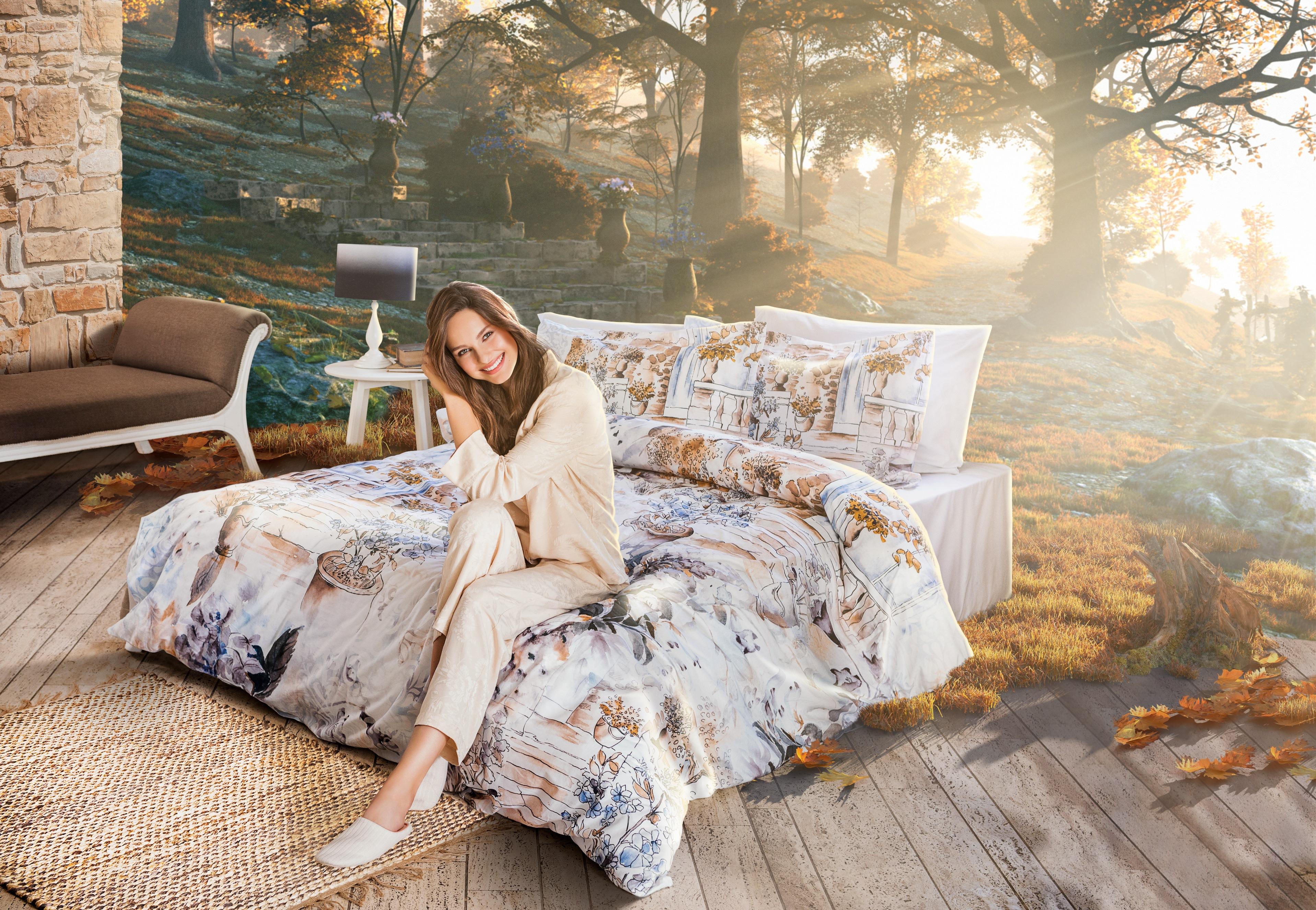 Sonbahar havasını, yatak odalarına nasıl taşıyacağınızı anlatan yeni reklam filminde, sevilen oyuncu Jessica May rol aldı.