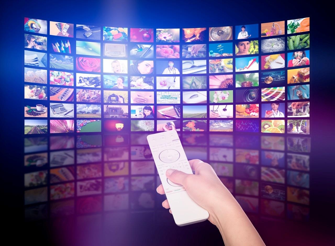 Yeni nesil akıllı televizyonların hayatımızda yaygınlaşmasıyla birlikte, seyirci ile anlık iletişim kurabilen, kişiselleştirilmiş reklam modelleri markaların yeni gözdesi oldu.