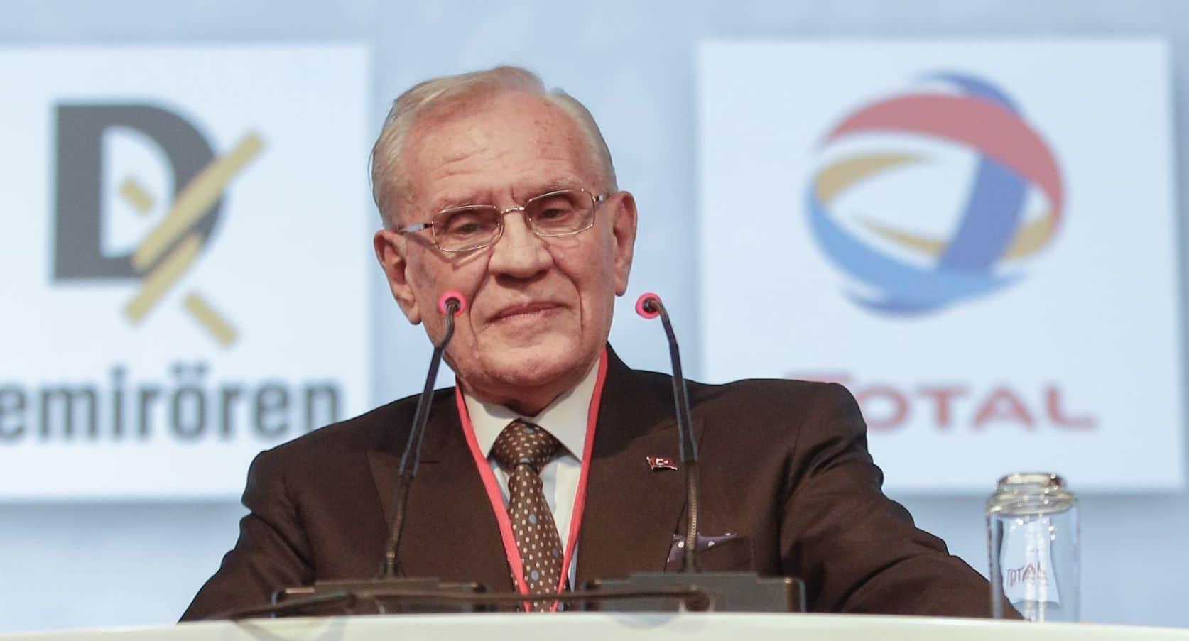 Demirören Holding Kurucusu ve Yönetim Kurulu Başkanı Erdoğan Demirören 79 yaşında tedavi gördüğü hastanede vefat etti.
