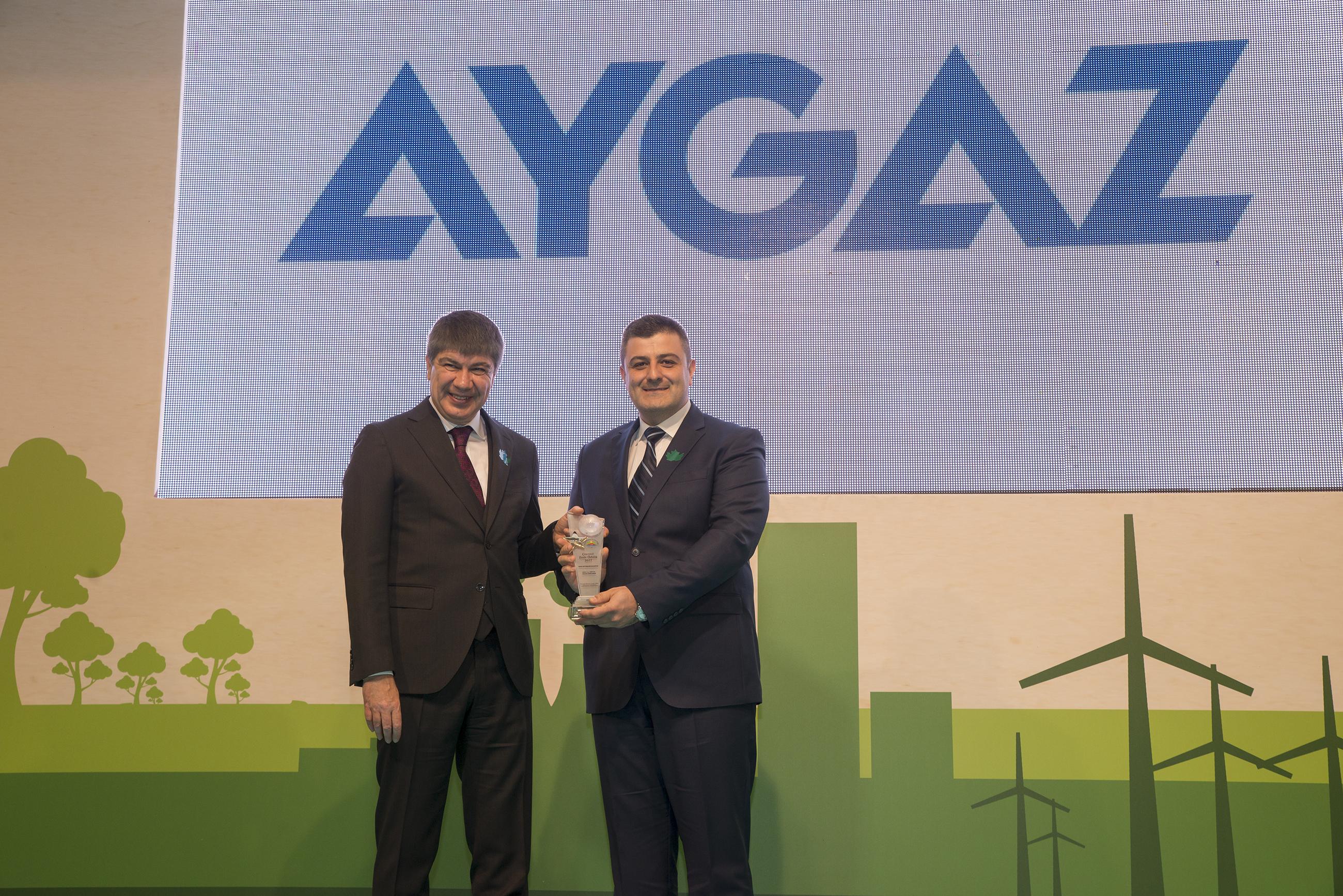 Aygaz, aldığı ulusal ve uluslararası ödüllere bir yenisini daha ekledi. Aygaz, Türkiye Sağlıklı Kentler Birliği (SKB) tarafından bu yıl üçüncüsü düzenlenen Çevreci Tesis Ödüllerinde Dörtyol Terminal Müdürlüğü ile ödül almaya hak kazandı.