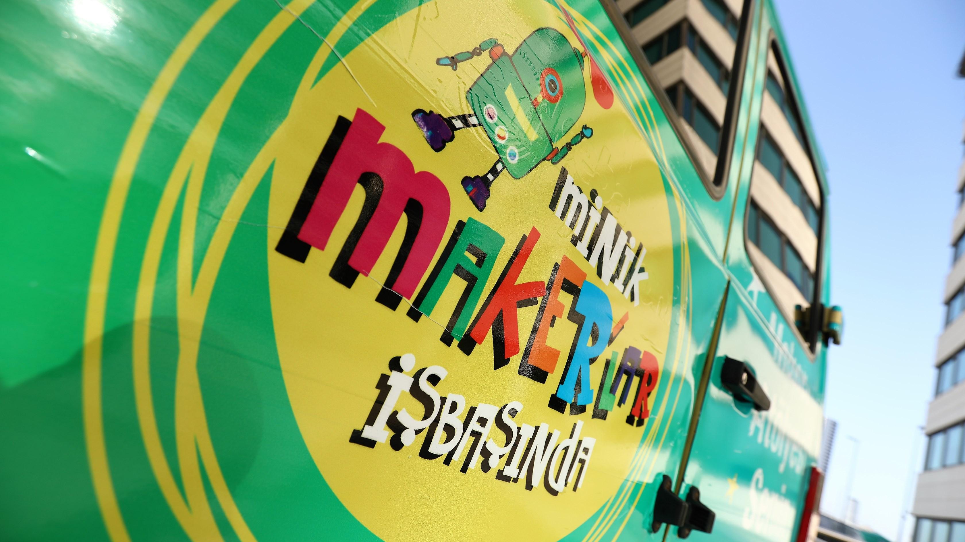 """TEB Minik Maker'ler İş Başında"""" projesiyle maker hareketini Anadolu'ya yaymaya hazırlanıyor."""
