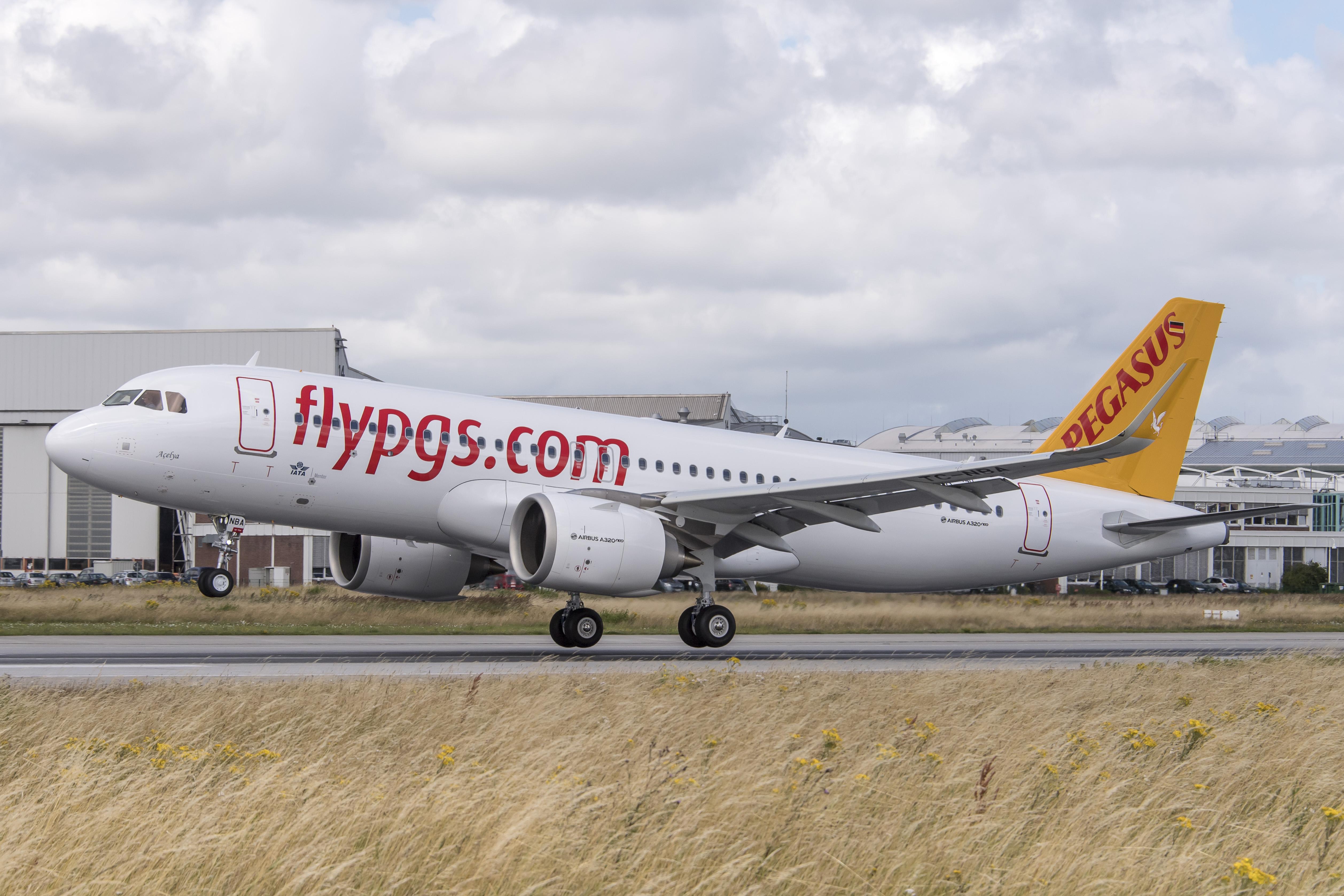 Pegasus Hava Yolları, İstanbul Sabiha Gökçen'den Bingöl ve Uşak'a, İzmir'den ise Ağrı'ya uçmaya başlayacak.