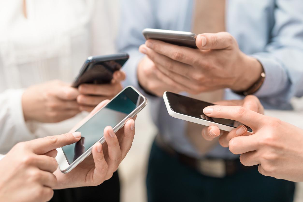 """""""Workplace Trends Report""""un sonuçlarına göre; sosyal medya fikir liderlerinin toplum üzerindeki etkisinin farkına varan kurumlar, marka mesajlarının paylaşılması konusunda çalışanlarını da aktif şekilde kullanmaya başladı."""