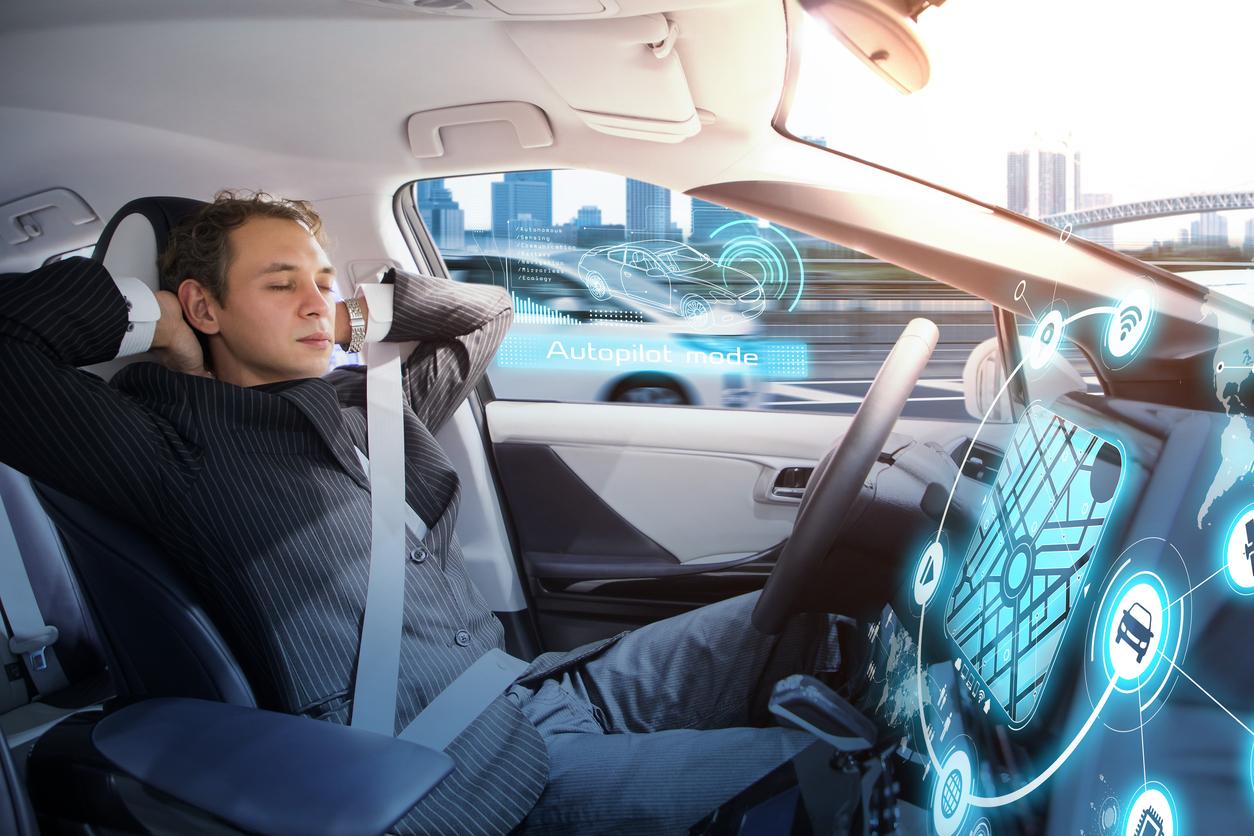 Türkiye'deki otomotiv yöneticileri, 2030 yılına kadar müşterilerin satın alma kriterleri arasında sürücüsüz araçların ilk sıraya yerleşeceğini öngörüyor.