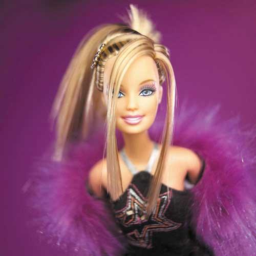 Anne ben büyüyünce barbie olacağim